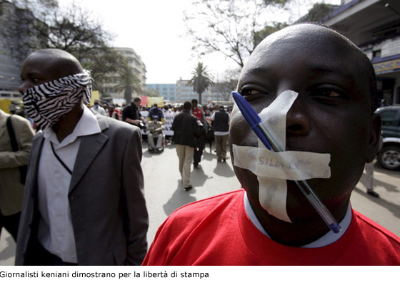 Giornalisti keniani dimostrano per la libertà di stampa